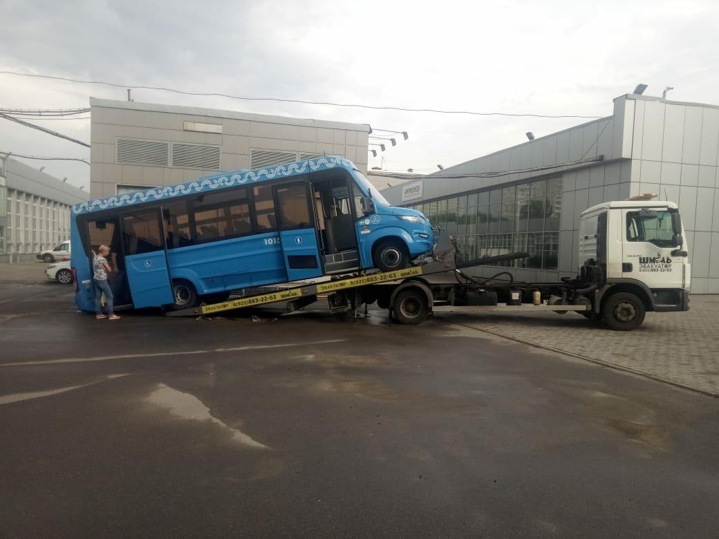 фото эвакуатора в Дмитровском районе