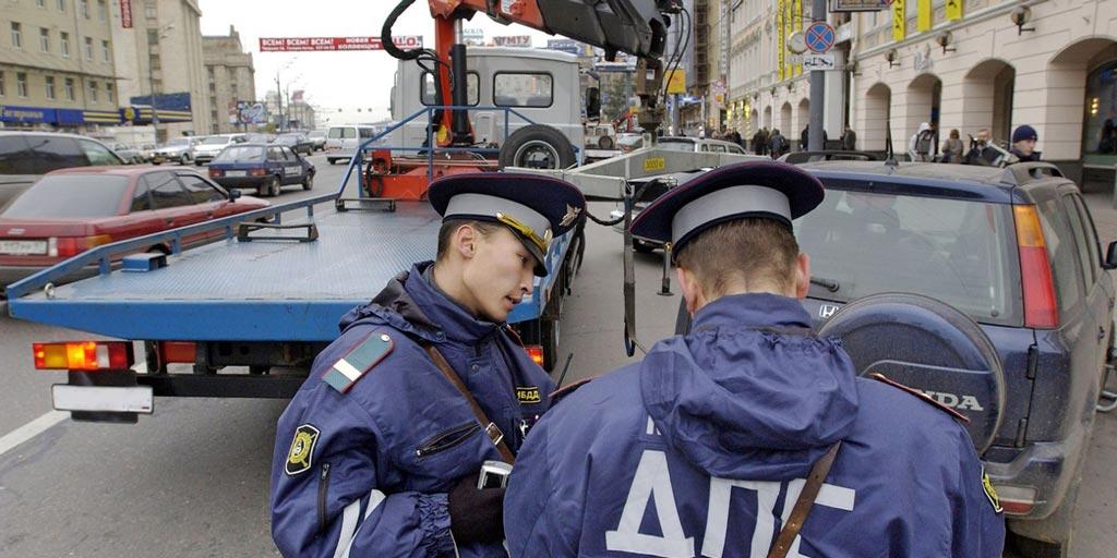фото эвакуации машины в Ростове-на-Дону